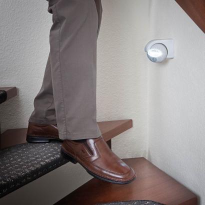 veilleuse led et d tecteur de mouvement lot de 2. Black Bedroom Furniture Sets. Home Design Ideas