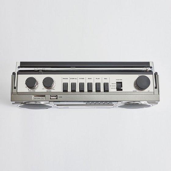 Magnétophone rétro avec DAB+