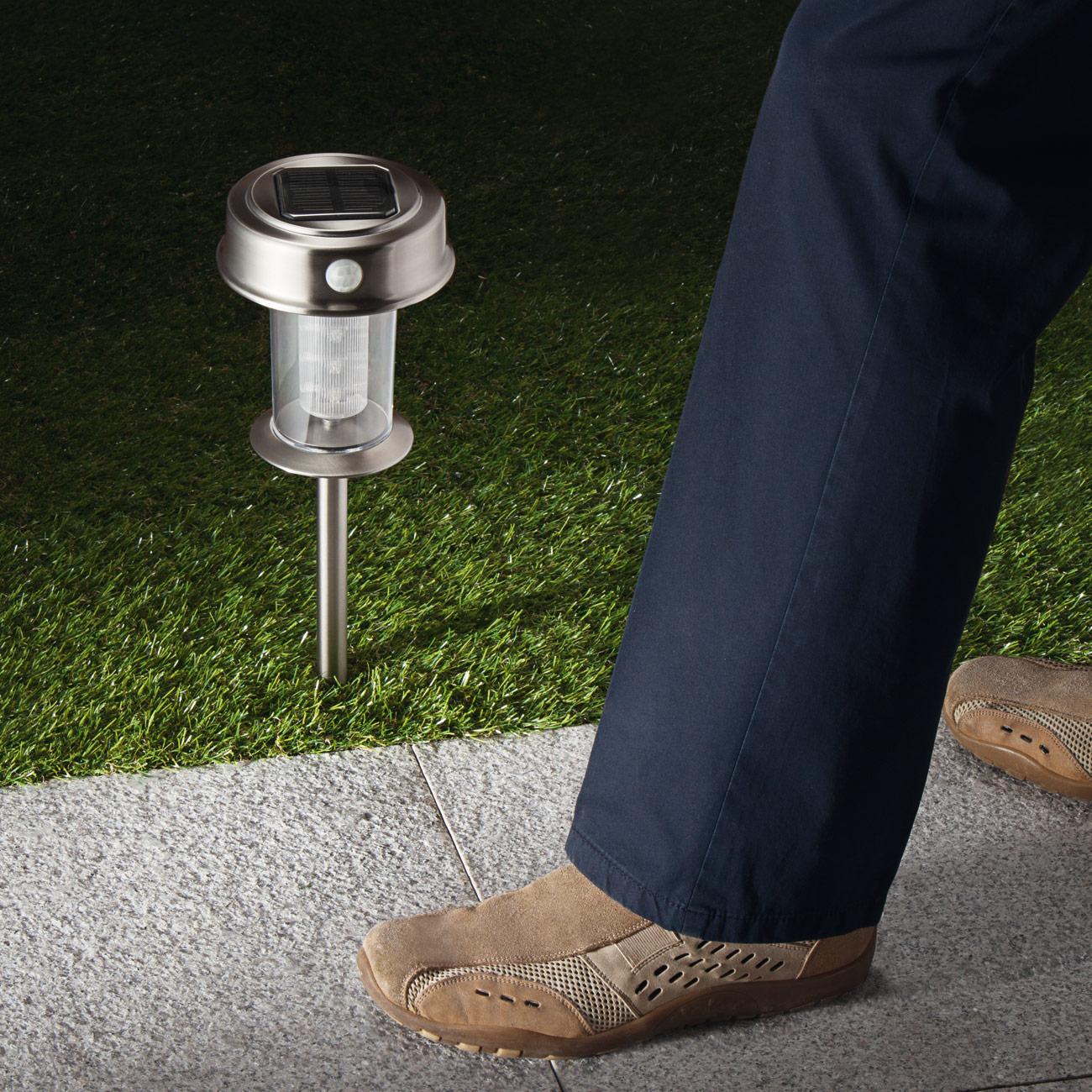 Lampe solaire led et d tecteur de mouvement achetez ce for Lampe exterieur sur pied avec detecteur